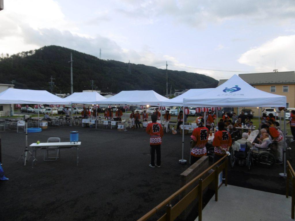 8月は夏祭り・児童館の子供たちの交流会・てるてる坊主展示会を行いました。
