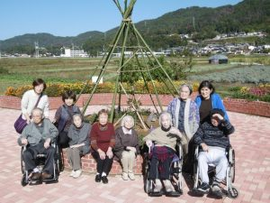 9月は敬老祭・家族会及び8,9月の誕生日会を行いました。